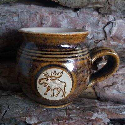 Barna rénszarvasos bögre - kicsi, emblémás-antikolt