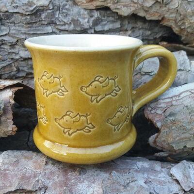 Sárga malacos bögre - kicsi, nyomott mintás