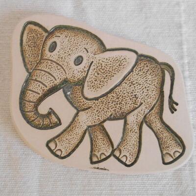 Kerámia hűtőmágnes - elefántos 2.