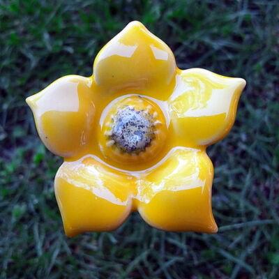 Sárga kerámia virág 3.