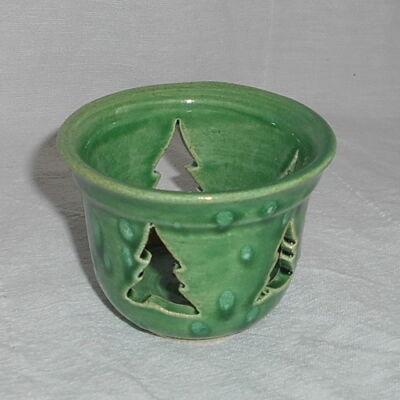 Világoszöld pohármécses-fenyős
