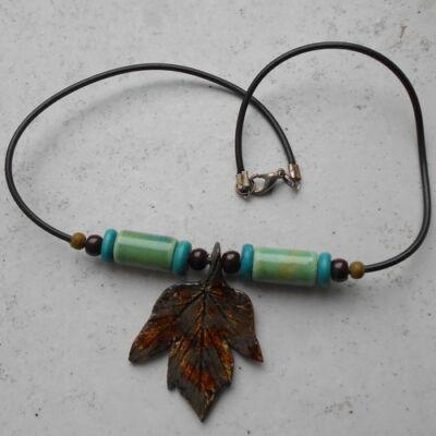 Kerámia nyaklánc 1.- zöldes-barna